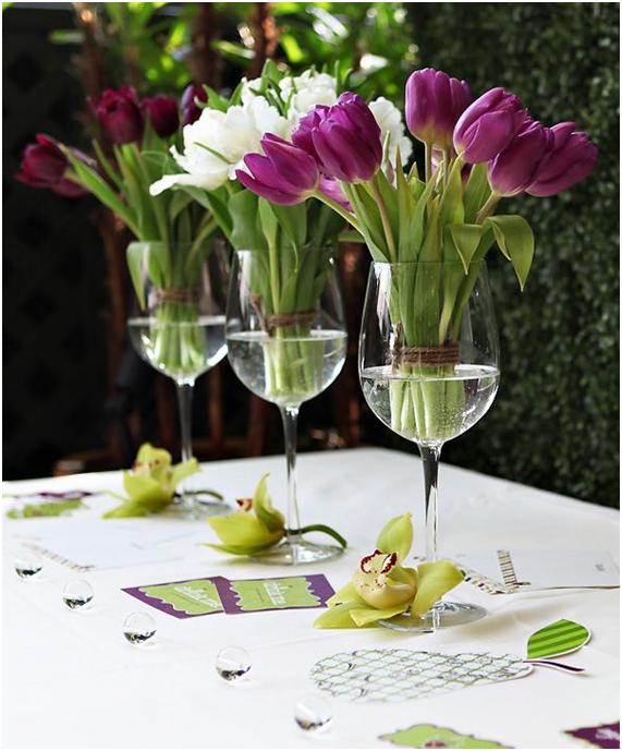 Decorar la mesa con flores