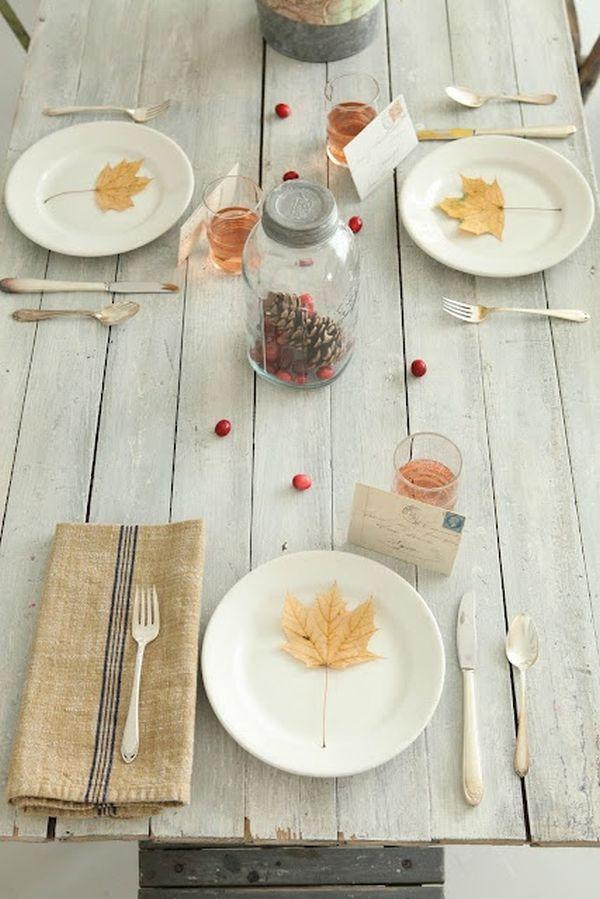 Decoración de mesas Otoñales con hojas secas