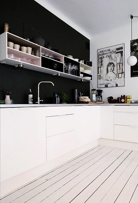 Paredes de color negro cocina 2