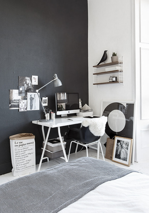 Paredes de color negro zona de trabajo de estilo escandinavo