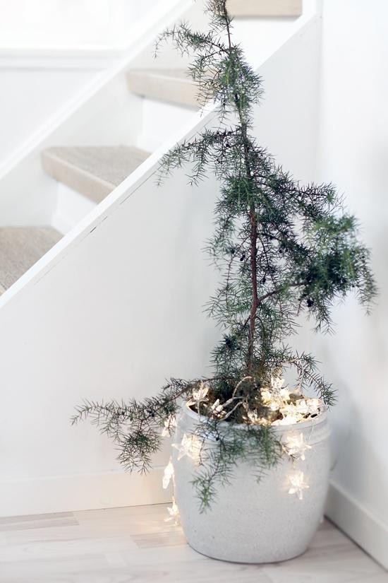 Feliz Navidad con árbol estilo nórdico