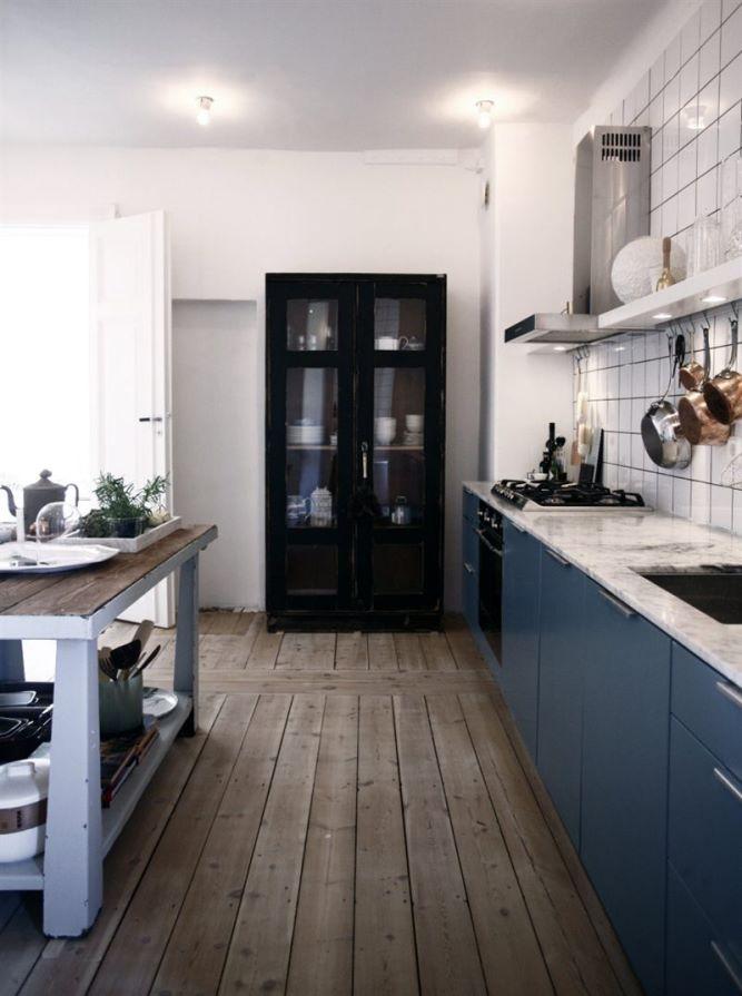 Blanco y Dorado vs Azul y Negro cocina
