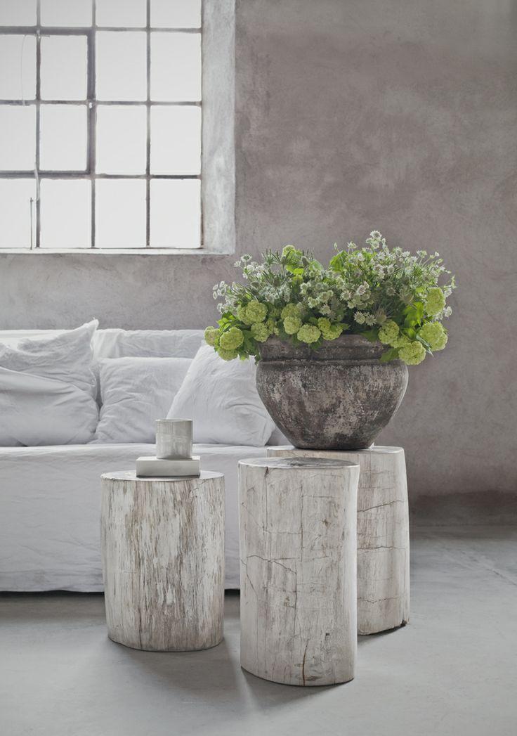 Decoración de interior handmade troncos blancos