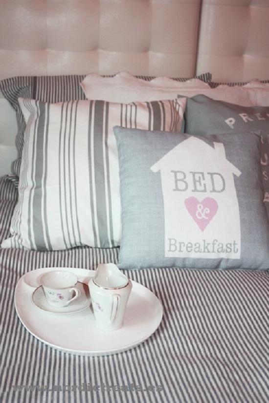 Decoración en Tonos Pastel detalle cama