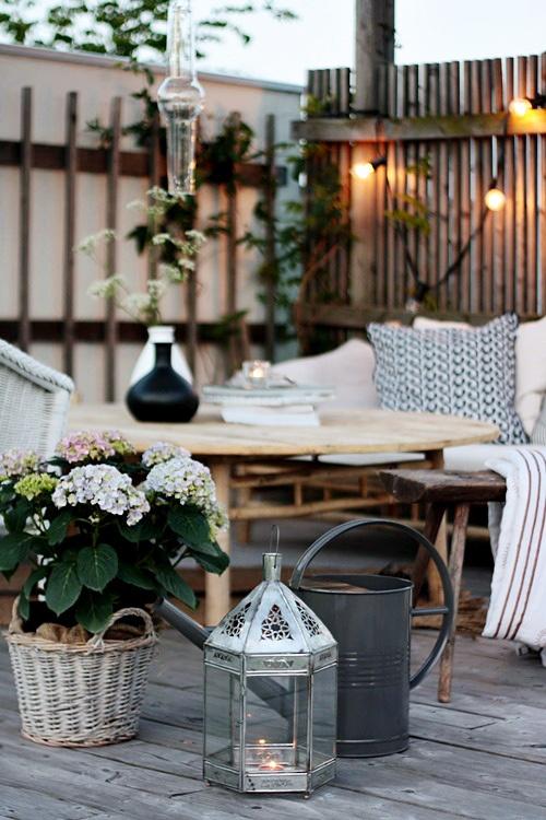 Decorar tu balcón con farolillos