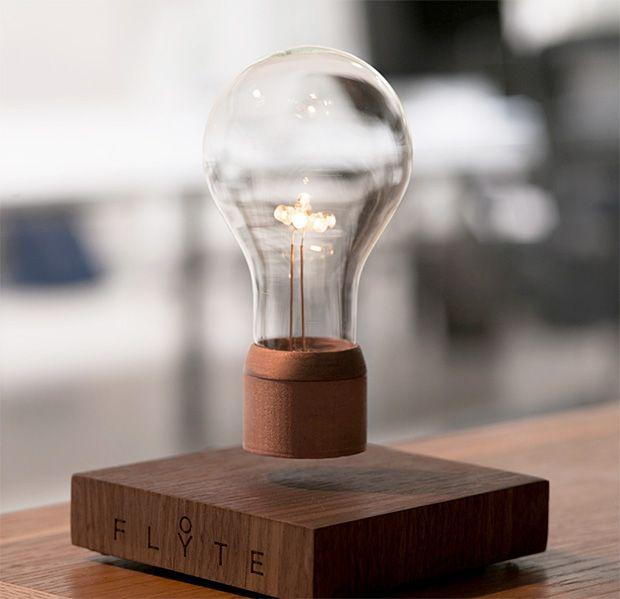 Flyte lámpara que levita