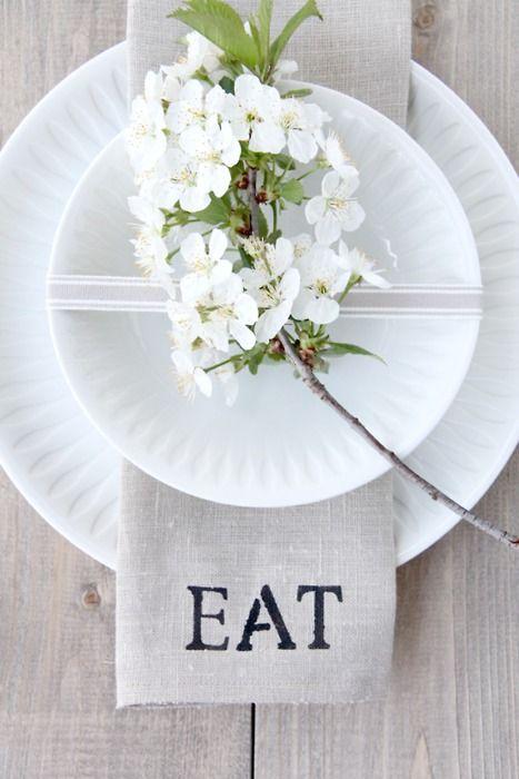 Mesa Primaveral Flores Blancas