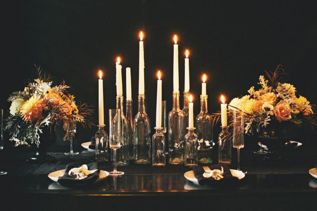 Mesa de Halloween con velas