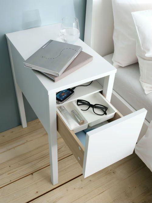 Serie de dormitorio NORDLI. Muebles para cargar la batería del móvil