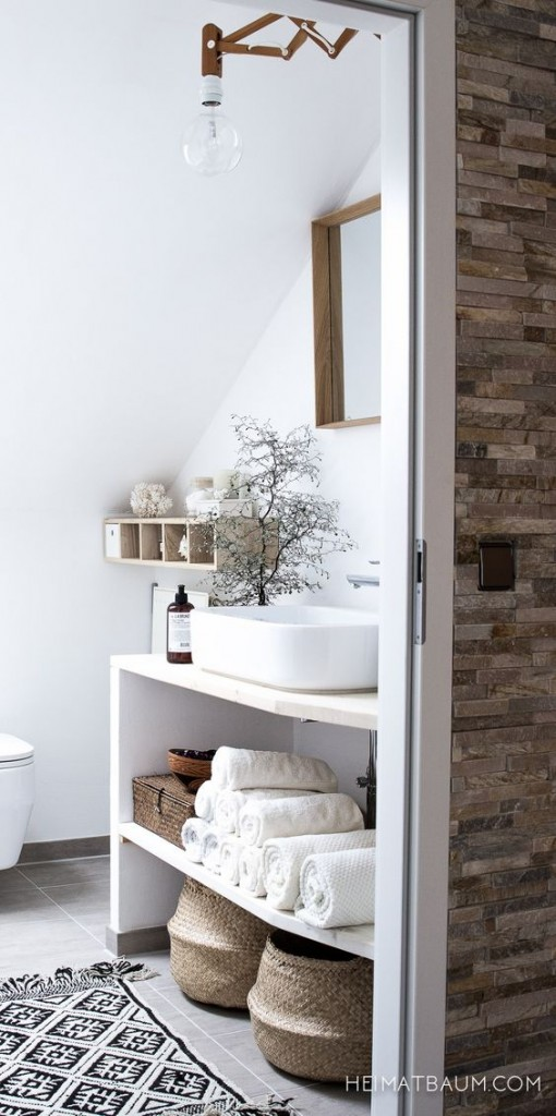 decorar un baño blanco natural