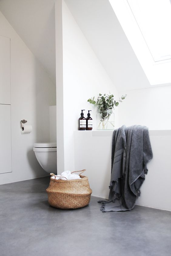 Decorar un Baño Blanco Natural y Gris