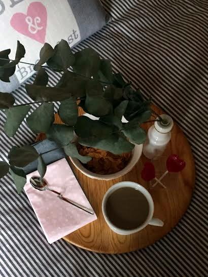 San Valentin café en la cama