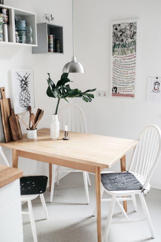 Salón pequeño - mesa madera