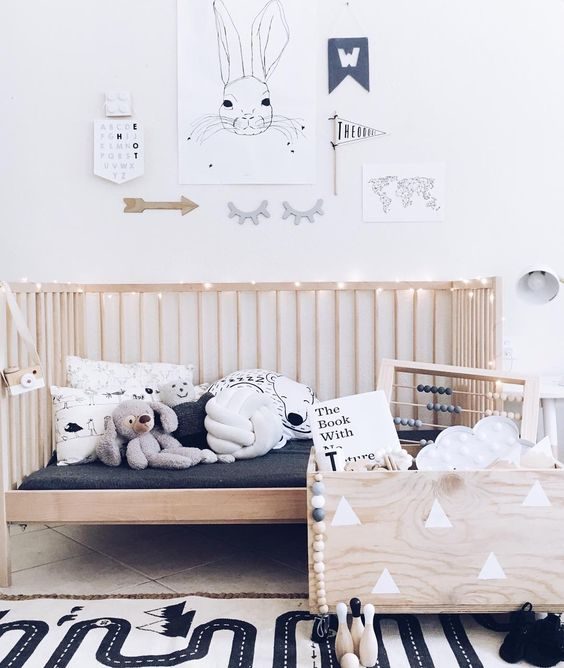 dormitorios infantiles de estilo nórdico en madera natural