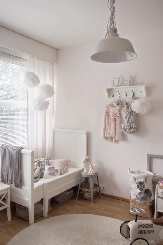 dormitorios infantiles de estilo nórdico en colores neutros