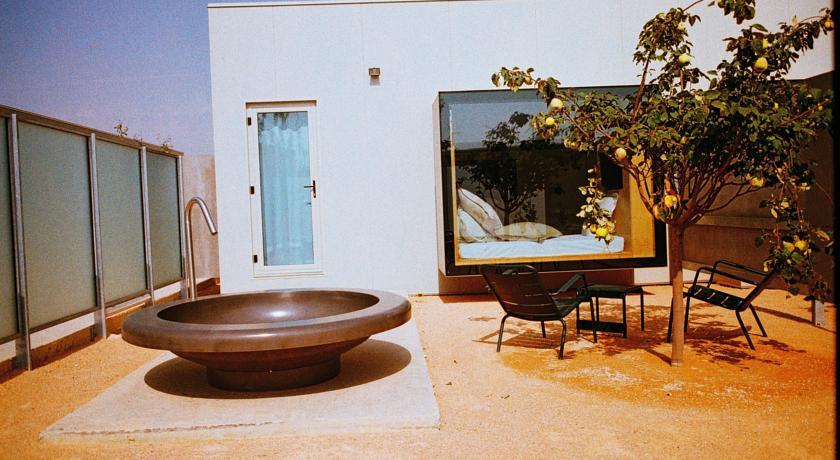 Hotel Aire de Bárdenas Patio con Bañera