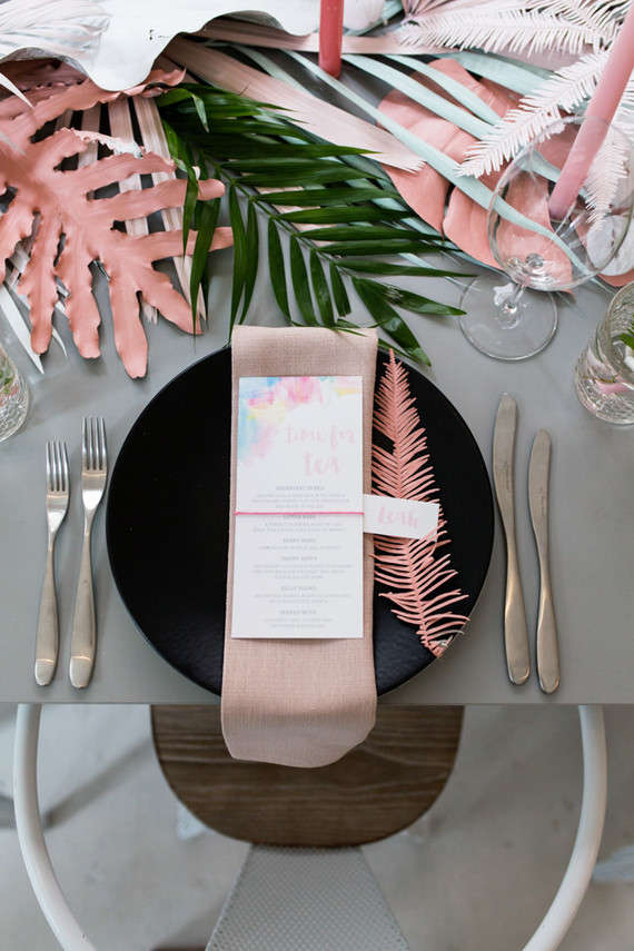Tendencia tropical en la mesa Table Setting