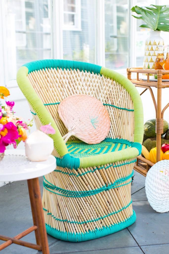 Tendencia tropical en la mesa silla de fibras