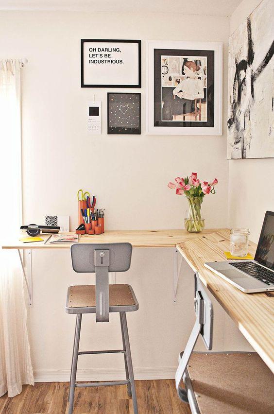 Decorar un espacio de trabajo en ángulo