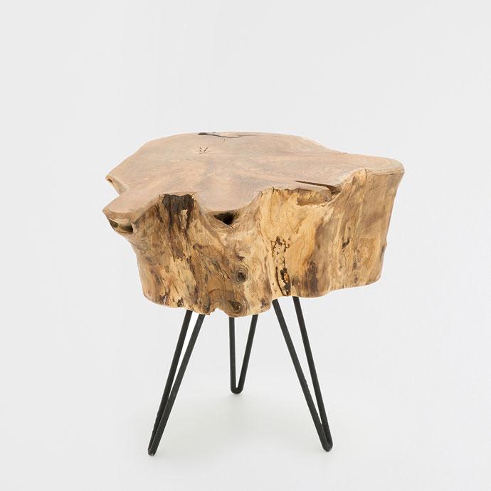 Novedades para un espacio nórdico taburete tronco de madera