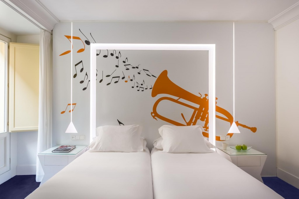 Hotel Boutique en Madrid Pared Trompeta