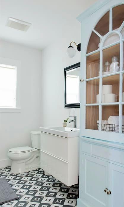 Decorar una casa de alquiler baño