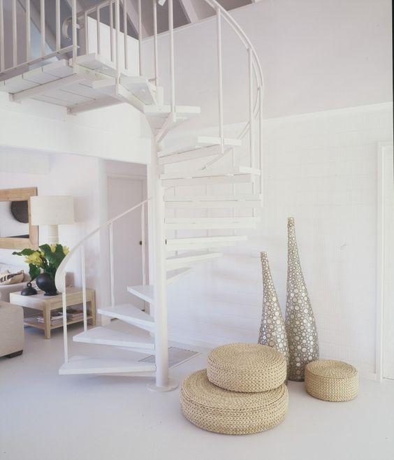 Dúplex Nórdicos con escaleras de caracol con barandilla