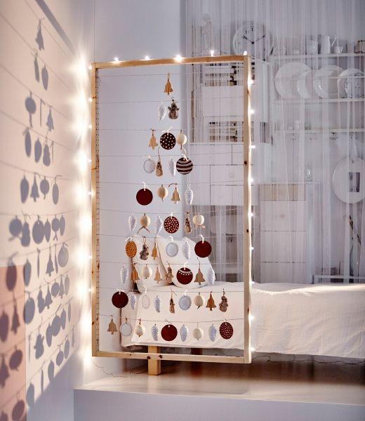 Árboles de Navidad poco tradicionales en marco
