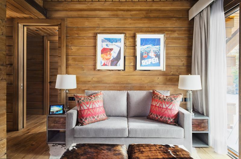 Hotel de estilo nórdico en la nieve El Lodge Sierra Nevada