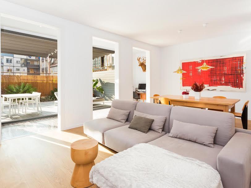 Apartamento en l'Eixample de Barcelona salida a la terraza