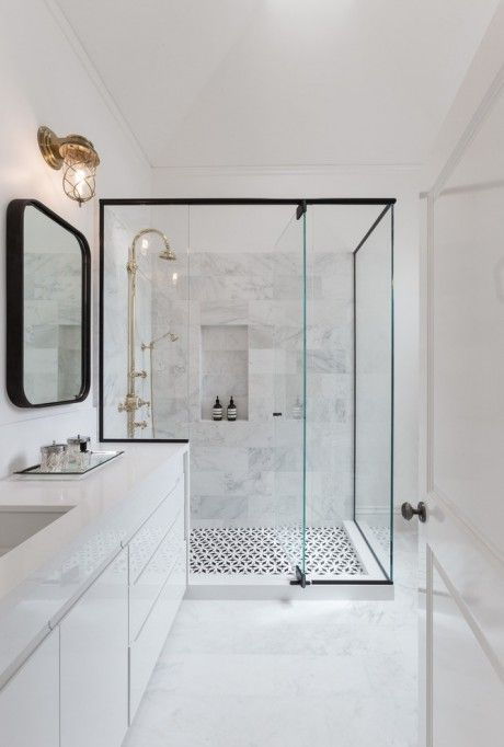 Baños con ducha de inspiración escandinava