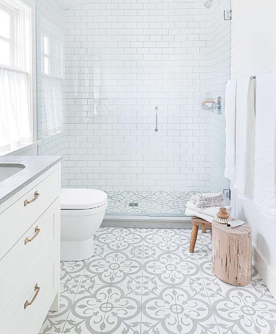 Baños con ducha de estilo nórdico