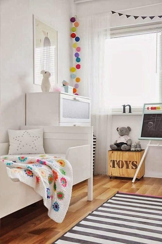 Habitación de estilo nórdico infantil
