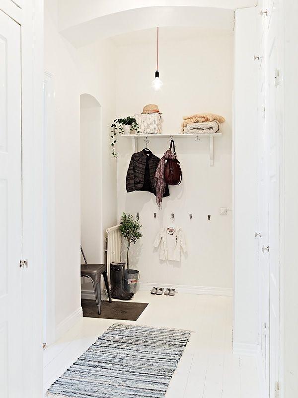 Cómo decorar una entrada con estilo nórdico y funcional