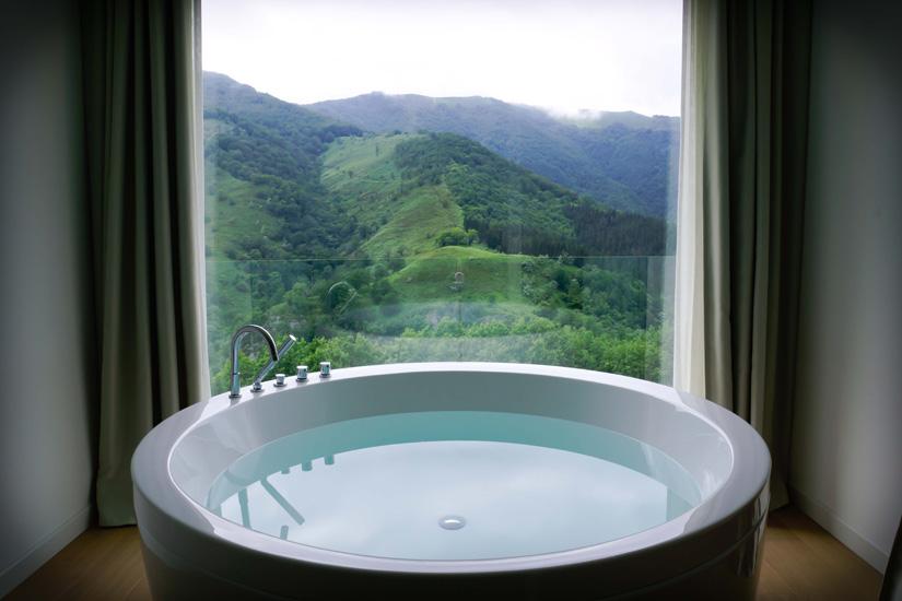 Escapada de Semana Santa bañera y vistas