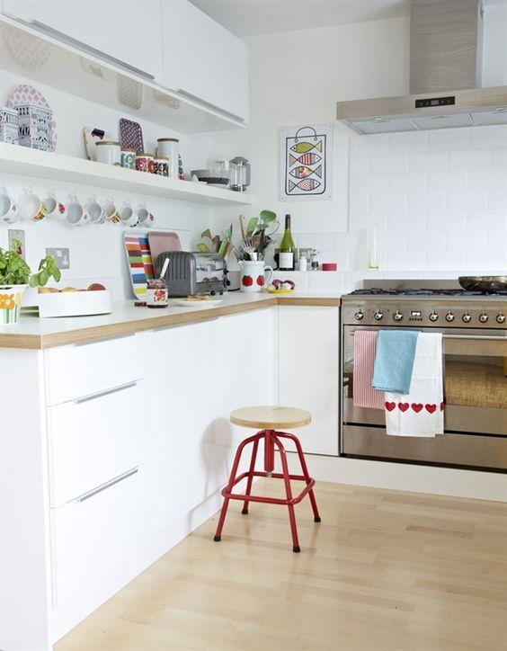 Errores al decorar una cocina estanterías