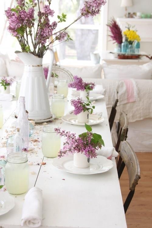 Mesas para el día de la madre lilas