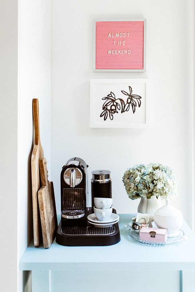 Una bonita casa con pinceladas rosas