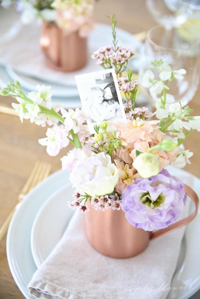 Mesas para el día de la madre flores y fotografías
