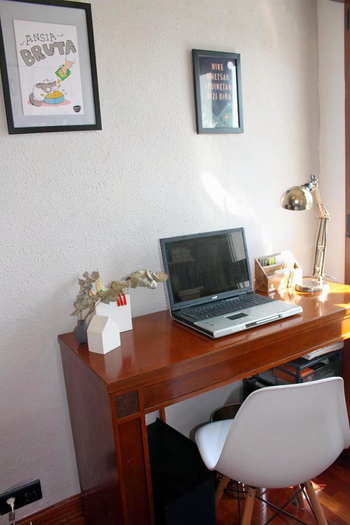 habitación pequeña workspace