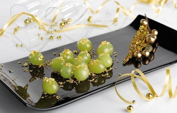 Decorar la mesa de Nochevieja uvas
