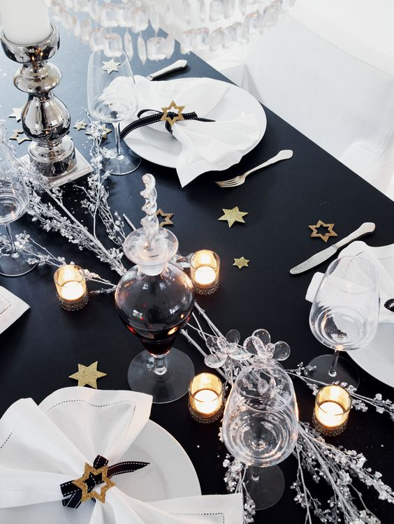 Decorar la mesa de Nochevieja con estrellas