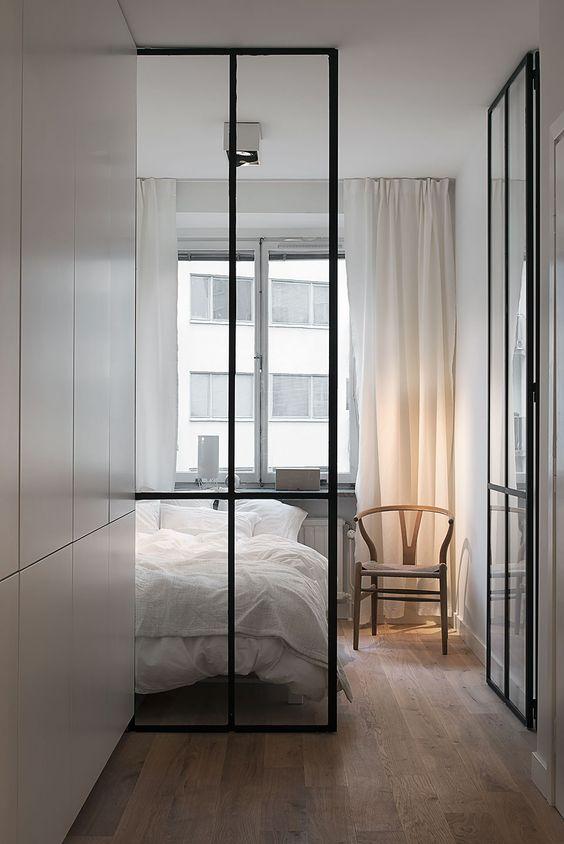 Silla Wishbone en dormitorio