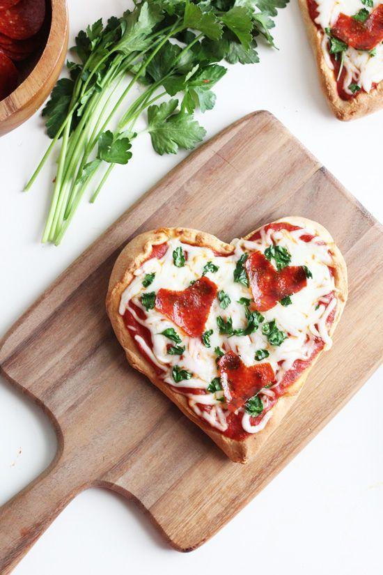 Mesa de san valentin pizza
