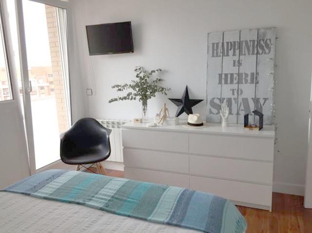 Iluminar dormitorio de estilo nórdico 2