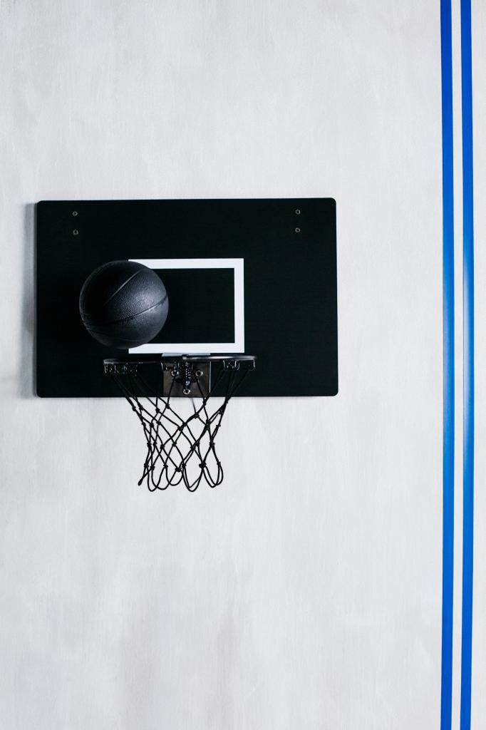 ikea-coleccion-spanst-2018-PH149820-canasta-pelota-baloncesto-interior-lowres