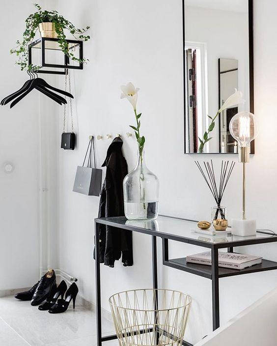 consola de estilo industrial espejo rectángular