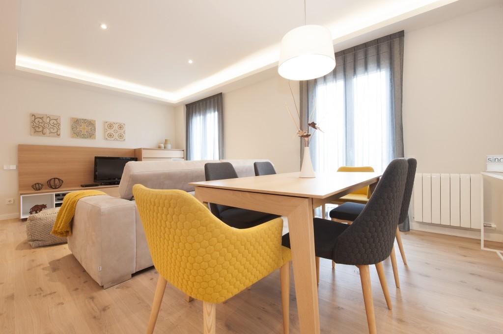piso con inspiración nórdica salón