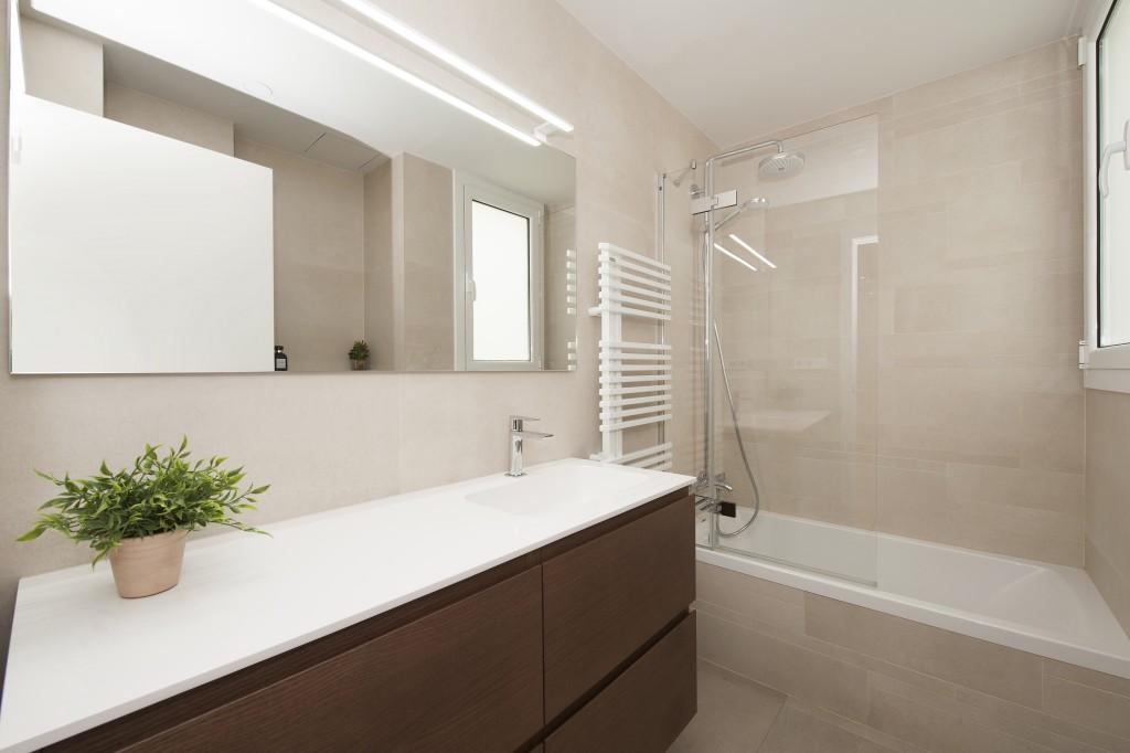 piso con inspiración nórdica baño