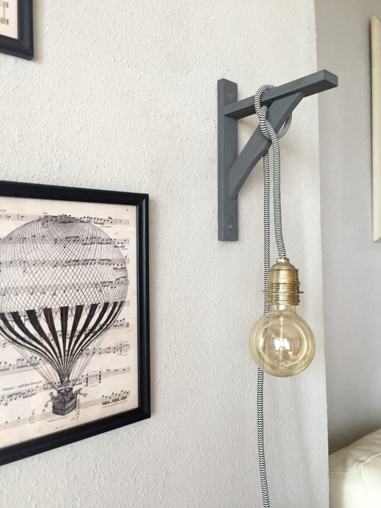 colgar una bulb lamp